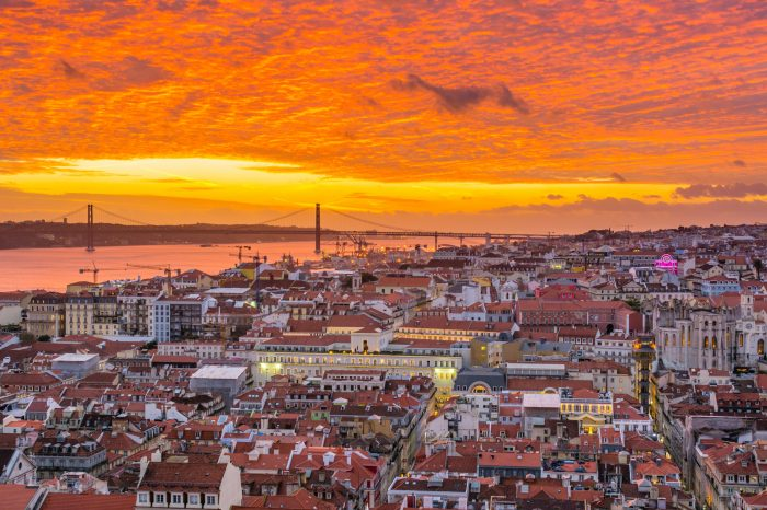 Half-Day Best of Lisbon History Highlights Private Tour (3h)